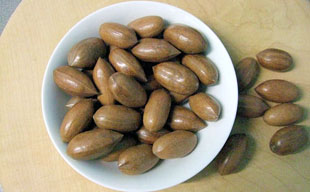 pecan nuts, whole