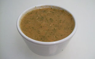 Tomato and mint salad dressing