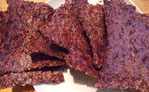 Red cabbage crackers